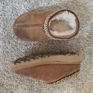 4/$25 UGG Slipper Fuzzy Shoes